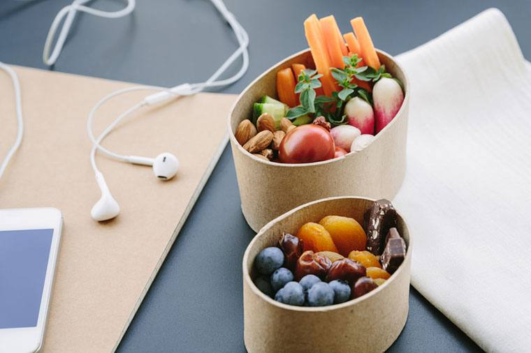 15 'Office-Friendly' Snacks for Weight Loss